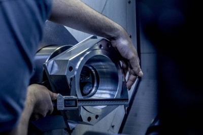 Multitaskbearbeitung bei der Klenk & Stiefele GmbH