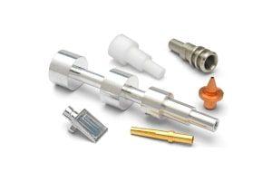 Herstellung von Klein- und Feindrehteilen aus Metall und Kunststoff